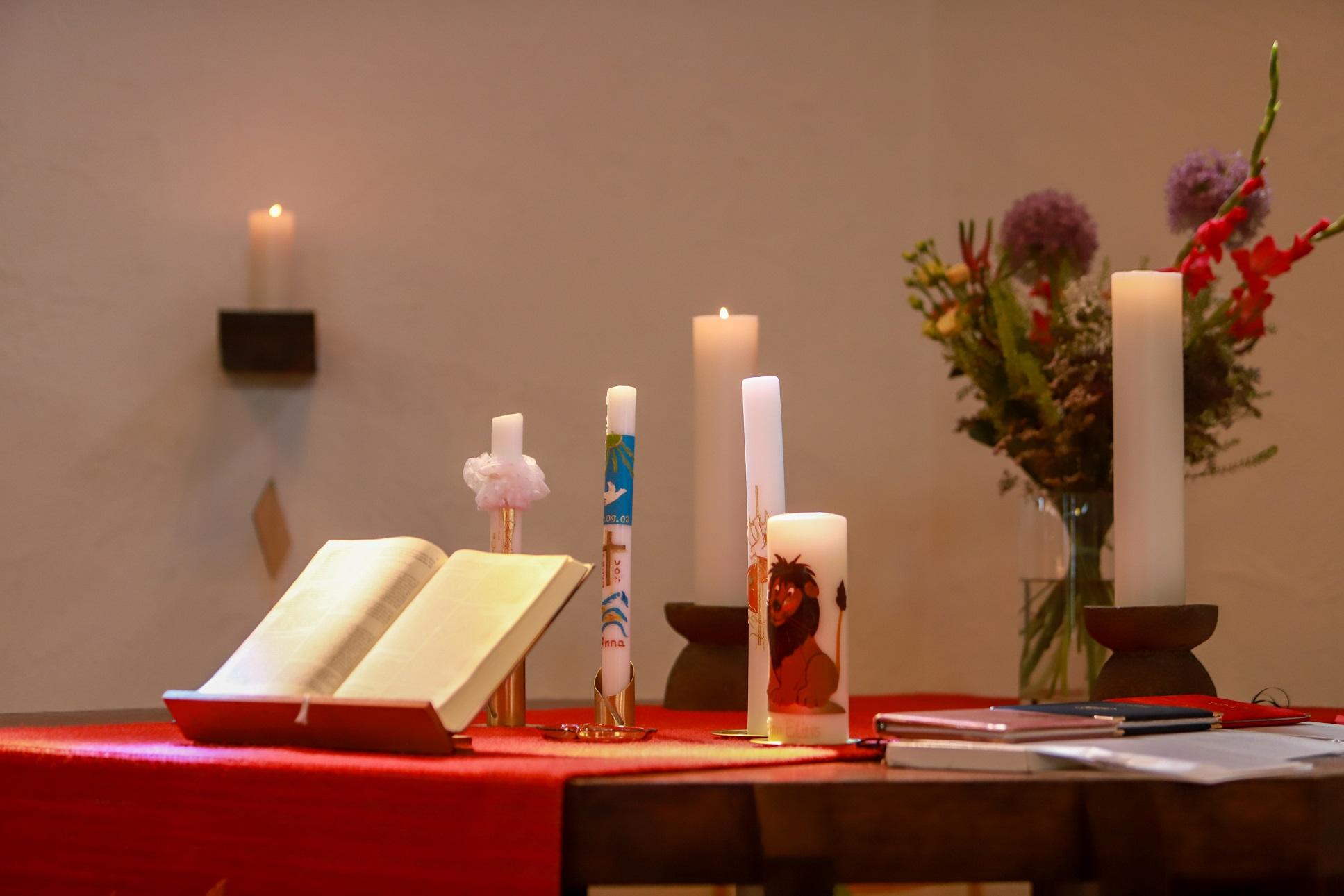 Kerzen Konfirmation Altar